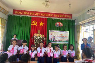 Đại hội cháu ngoan Bác Hồ trường TH Trần Cao Vân
