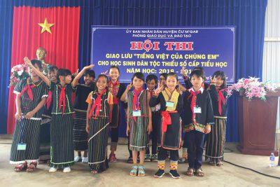 Học sinh tham gia cuộc thi giao lưu tiếng việt của chúng em